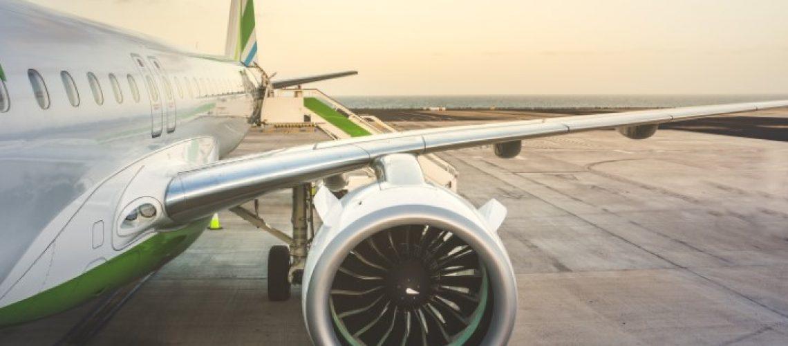 voo cancelado e aeronaves ficam paradas em aeroportos do mundo todo
